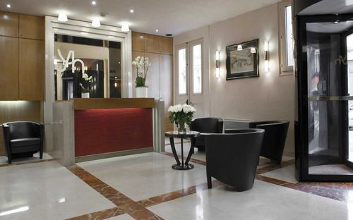 Hotel-yllen-reception-1280-01